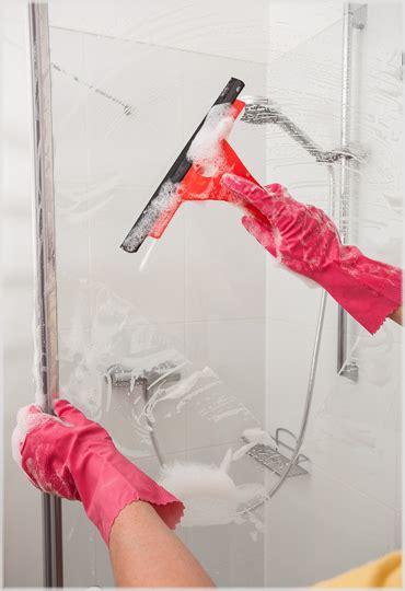 Kalkflecken Dusche Glas by Tipps F 252 R Die Reinigung Bad Und Dusche Duschmeister