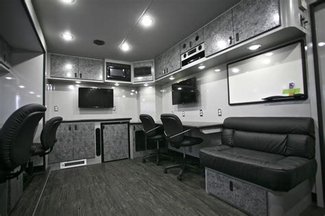 Cer Trailer Interior Ideas by New Featherlite Nascar Support And Media Trailer