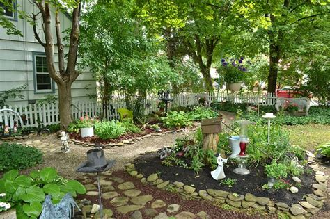 Shady Backyard Landscaping Ideas 17 Best Images About Grassless Front Yards Grasslessyard On Pinterest Gardens Back To And