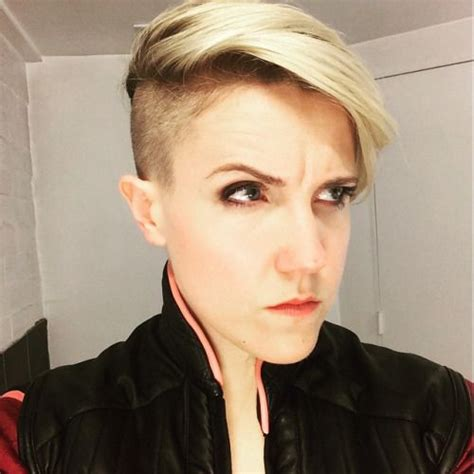 hannah hart tattoo still obsessed with hart s hair hairs