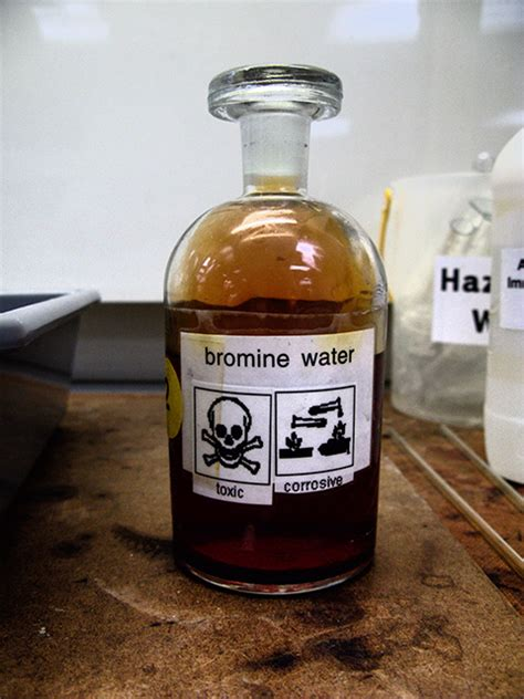 what color is bromine bromine water