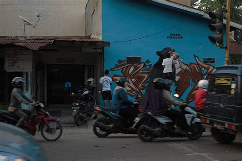 designboom indonesia designboom ernest zacharevic tackles the effects of palm