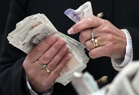 retailers told to prepare for introduction of new 163 5 note in september 2016 professional jeweller