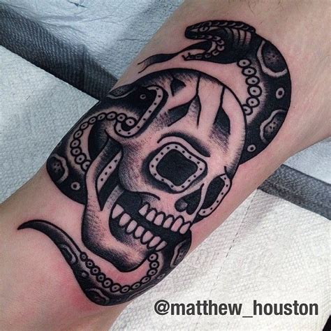 black and grey traditional tattoos black and grey skull and snake combo walk in skull snake