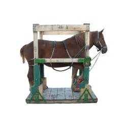 Home Decor In Usa Amish Made Horse Shoeing Stocks Wooden Shoeing Stocks