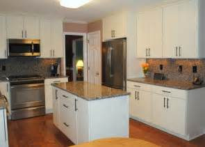 White Laminate Kitchen Cabinets White Kitchen Cabinets Laminate Countertops Quicua
