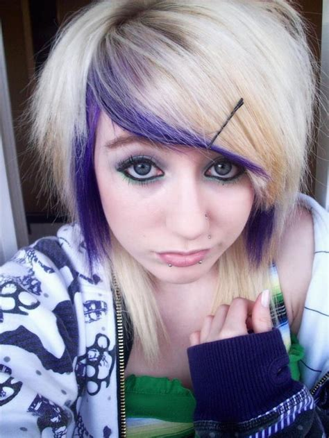 emo hairstyles blue and blonde 2010 blonde emo hair styles