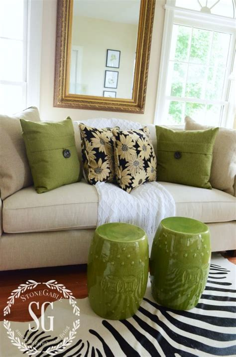 How To Arrange Pillows On A Sofa How To Build A Pillow Collection Like A Pro Stonegable