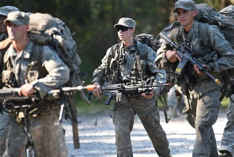 female us army rangers 2 women pass army ranger school first female graduates