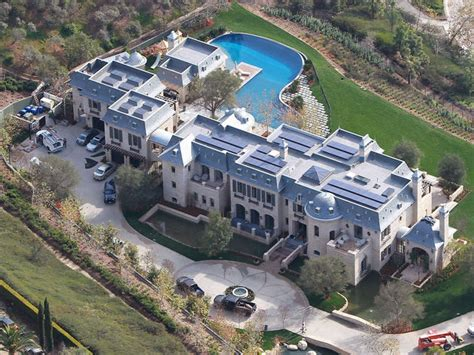 tom brady house boston take a look at tom and gisele s finished mansion outside of boston 12up