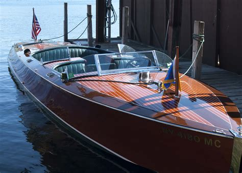 10 Amazing Luxury Boats To Of by These 10 Luxury Boats Will Make You Buy One Right Now