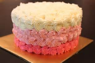 kuchen mit buttercreme bluepandacakes rainbow cake with ombre buttercream frosting