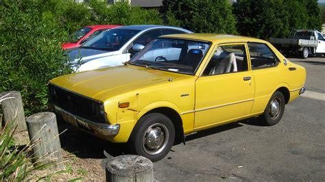 toyota old cars aussie old parked cars 1976 toyota corolla 2 door sedan