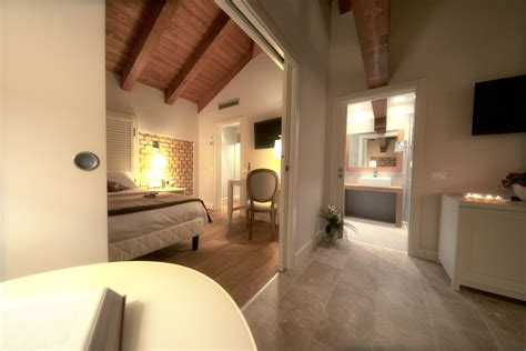 sale da bagno moderne le camere villa trovatore