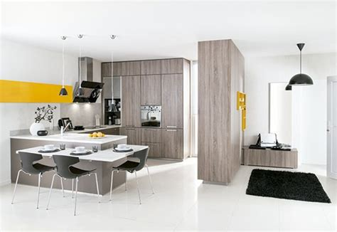 cocina moderna  toques sutiles en color amarillo