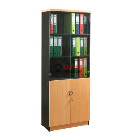 Lemari Kantor kantor rapi dengan lemari penyimpanan yang tepat