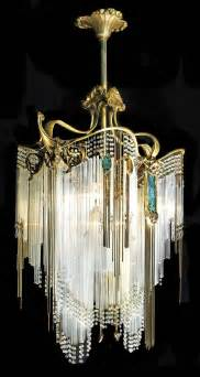 chandelier artist 25 best ideas about chandeliers on chandelier