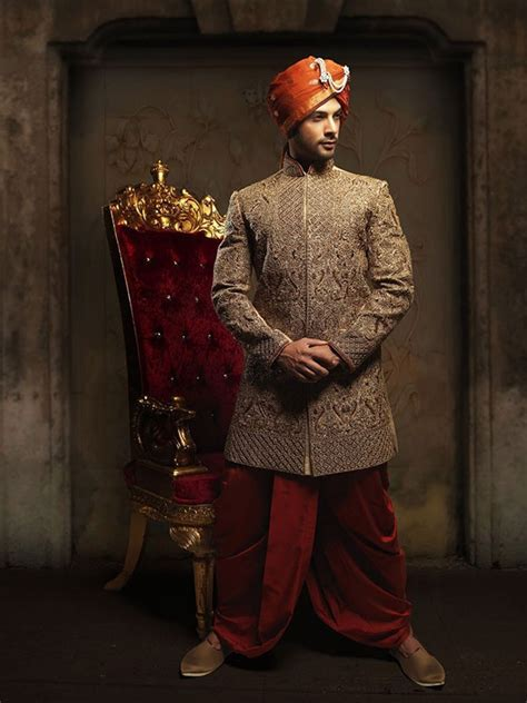 What are some best stores in Delhi for men's wedding suits