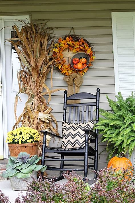 rustic chic 27 corn husks d 233 cor ideas for fall shelterness