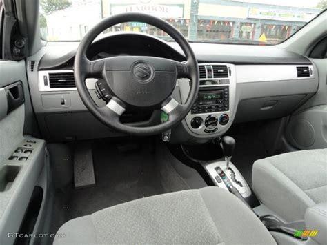 gray interior 2004 suzuki forenza s photo 37822026