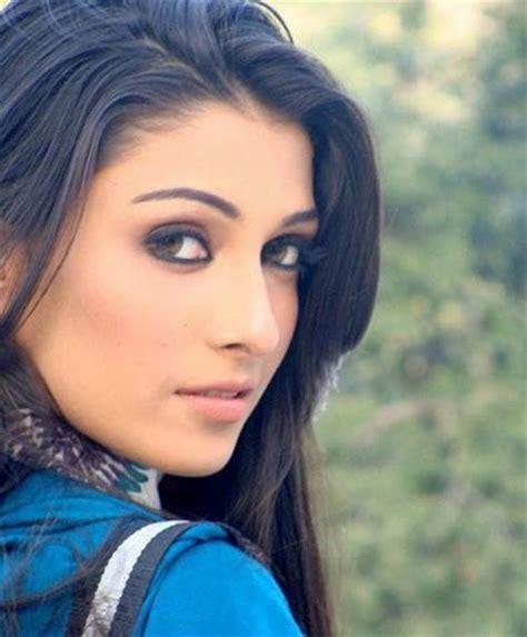 Eyeshadow Zard aiza khan married to taimoor acted in zard mausam adhoori aurat mere meherban