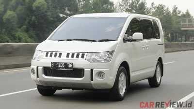 Stopl Nissan Serena Auteck Led mitsubishi delica d 5 vs nissan serena highway autech car review indonesia