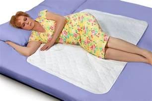 Bed Bug Protector Waterproof Underpad Sheet Mattress Pad Protector Bed