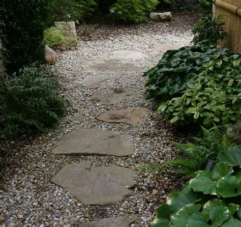 Garden Stones And Gravel Stepping Stones And Gravel Path Garden