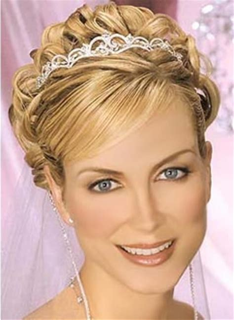 nice hairstyles for medium hair wedding hairstyles for short hair 8 beautiful bridesmaid