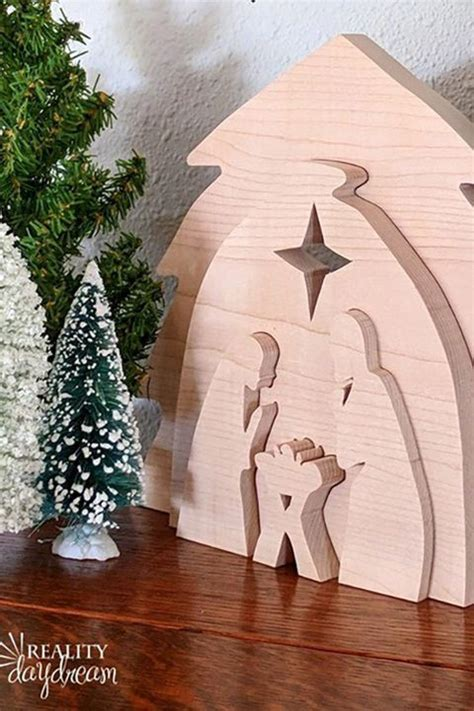 christmas wood crafts diy holiday wood projects  ideas