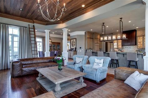 Cindy Crawford Dining Room Furniture by Kelly Clarkson S Home In Tennessee That She S Selling For