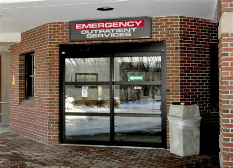 fairview hospital emergency room redington fairview general hospital in skowhegan to hire time town officer central