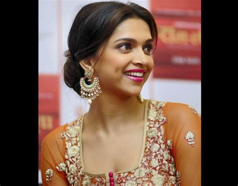 deepika padukone earrings latest designs gold jewellery bollywood actress deepika