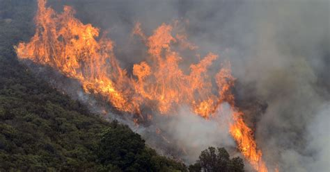 The On Socal Fires by Wildfire Near California S Big Sur Burns Dozens Of Homes