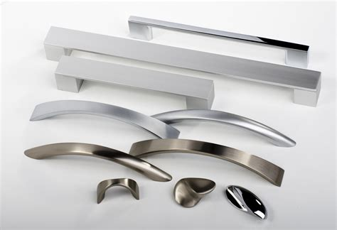 kitchen cabinet door handles wide range from modern - Kitchen Door Handles Contemporary