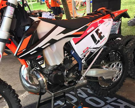Ktm 2 Stroke Fuel Injection Enduro21 Photos Of Ktm S Fuel Injection Two Strokes