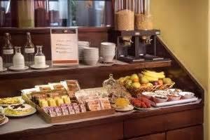 alimenti intolleranti colazione in hotel in valdarno ricco buffet a base di