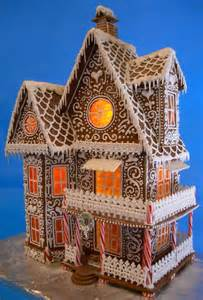 useful tips tricks to make the perfect gingerbread house