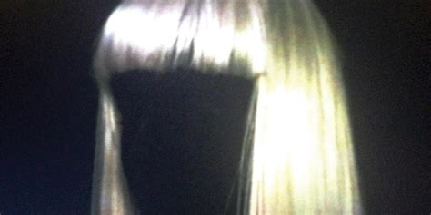 Chandelier Sia Official Video Sia Quot Chandelier Quot Songs Jonk Music