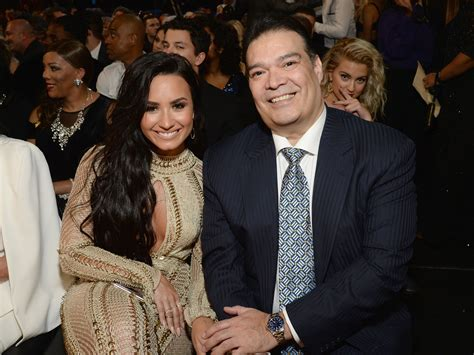 demi lovato biography parents demi lovato and her dad at 2017 grammys popsugar latina