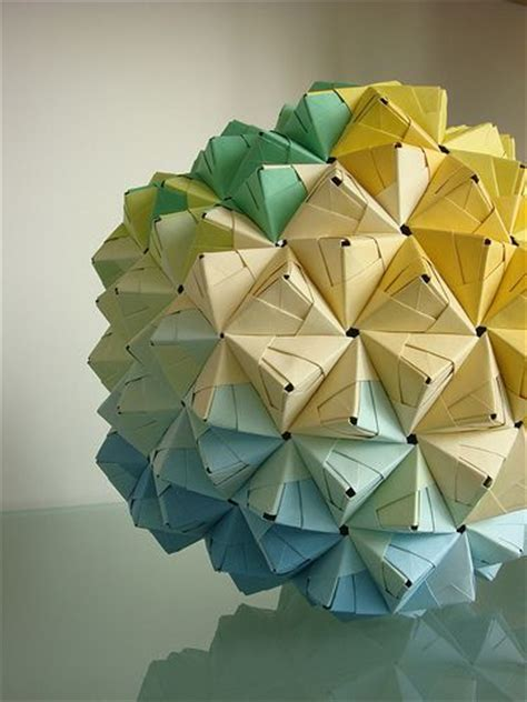 Modular Geometric Origami - 25 best ideas about origami on paper