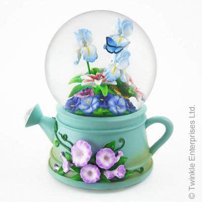 Garden Enterprises Ltd 1000 Images About Snow Globes On Disney