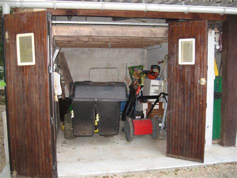 Pool Changing Shed by David Sefton Bas Etang For Sale Tractor Shed Pool