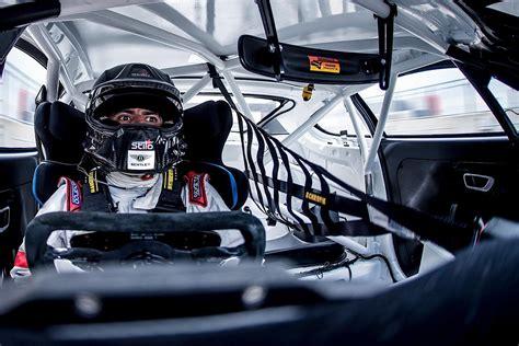 racing driver chris harris becomes a racing driver again autoevolution