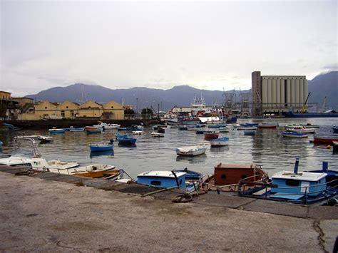 porto torre annunziata summit in regione sull insabbiamento porto torre