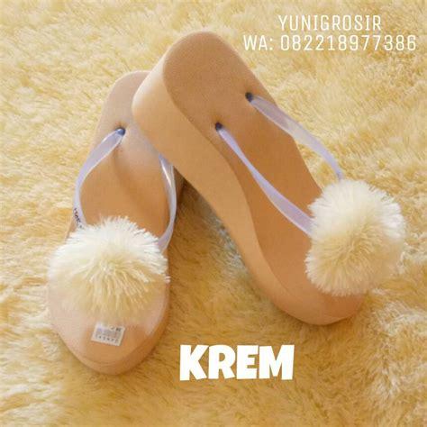 Sandal Pom Pom Pompom Sandal Jepit Wanita Sandal Murah Grosir jual wedges spon pom pom yuni grosir
