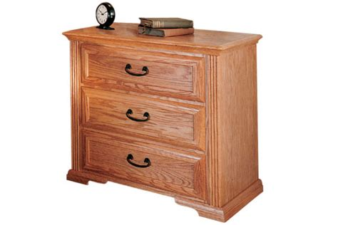thornwood bedroom furniture thornwood 3 drawer nightstand