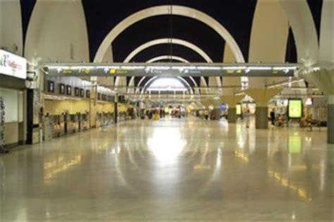 iberia italia uffici aeroporto di siviglia aeroporto di san pablo svq sulla