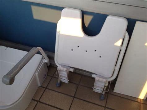 wc sitz mit dusche und fön toiletten dusche aufsatz innenarchitektur und m 246 belideen