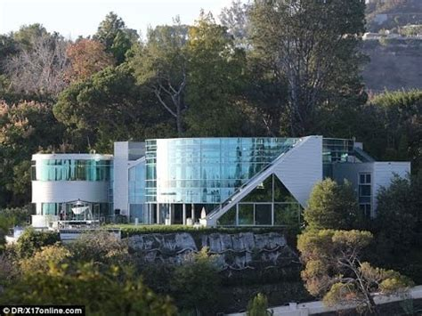 justin beibers house justin bieber s house hollywood city tour youtube